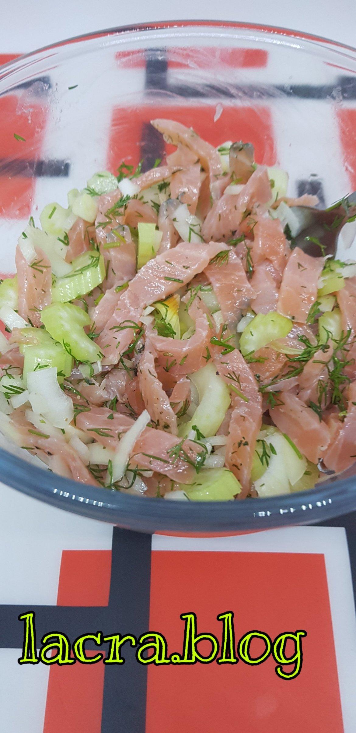Salată de somon cu țelină