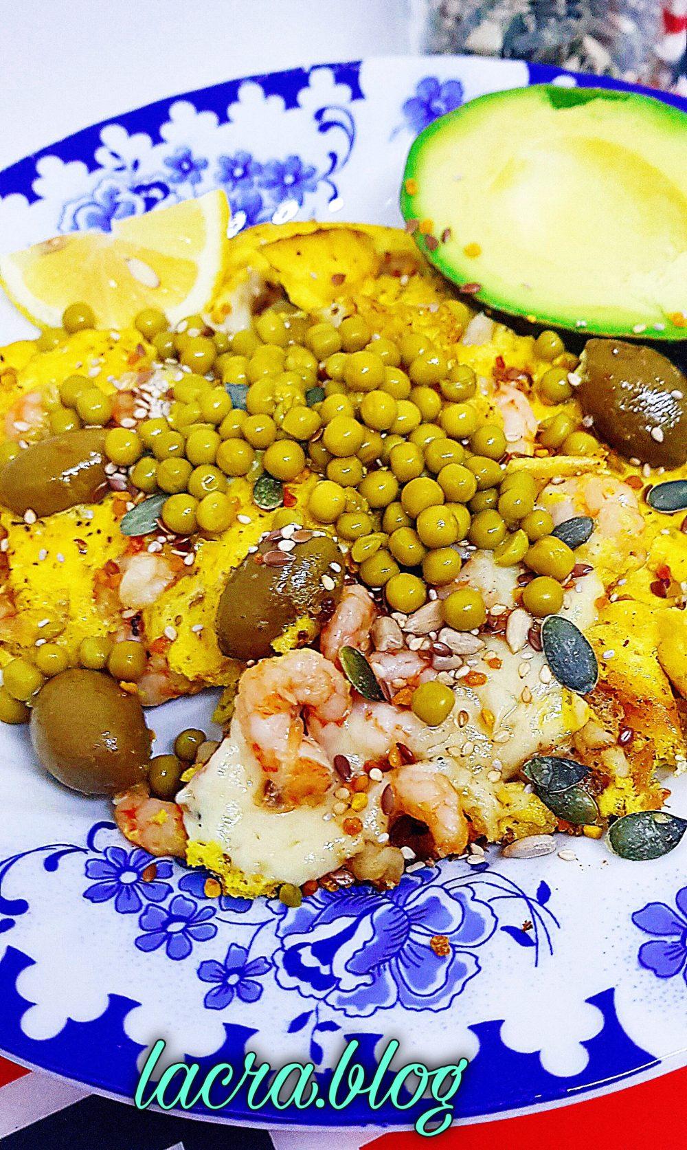 Omletă keto stil mediteranean