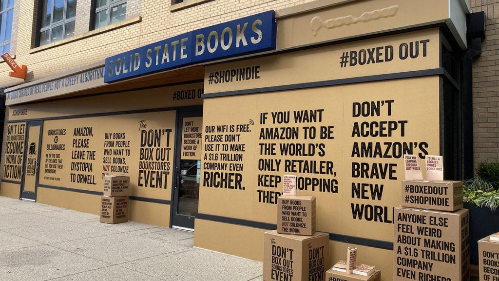 Las librerías independientes de Estados Unidos plantan cara a Amazon con  una campaña en sus escaparates - La Criatura Creativa