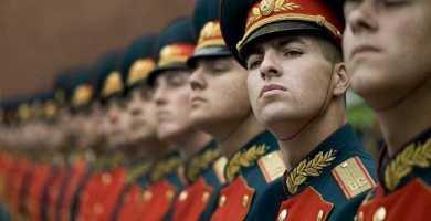 soñar con ejército