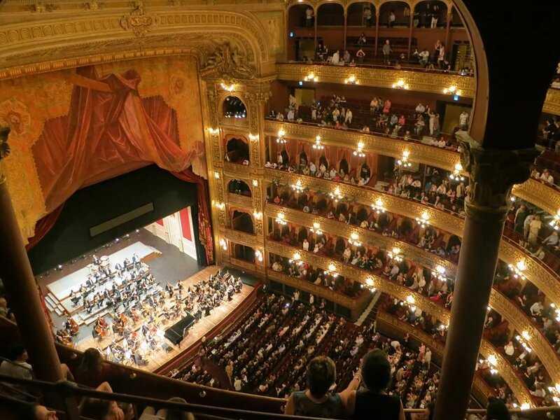 soñar con ópera