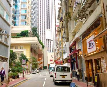 Amoy Street - haven of cosy restaruants and chic bars
