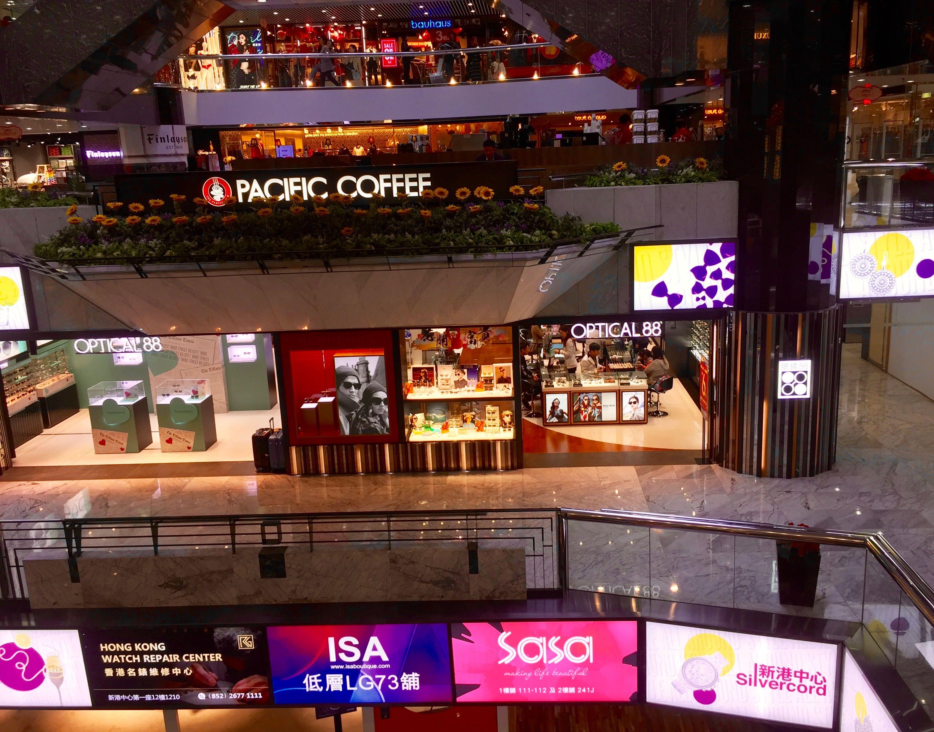 HK Tsim Sha Tsui high traffic F&B Shop for Lease