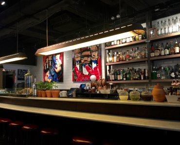 Hong Kong Wan Chai F&B Shop Full Kitchen & Bar for Lease