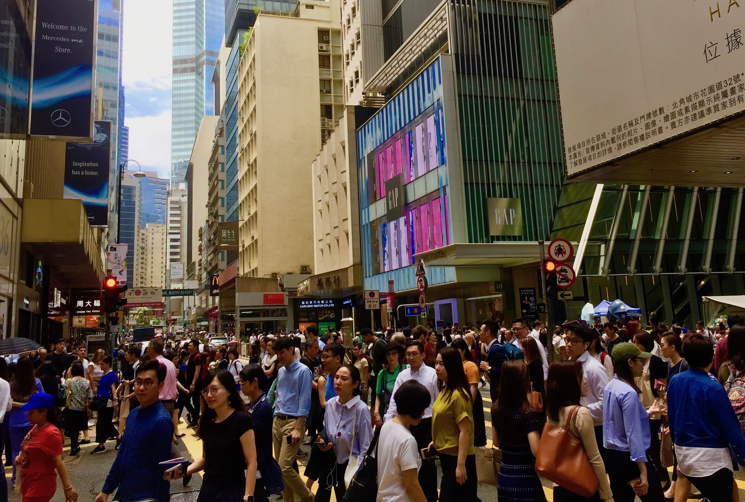 Hong Kong Central F&B Shop for Lease on Queen's Road Central