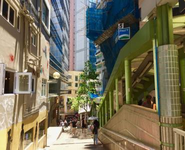 Wide-shopfront Soho bar restaurant space for lease on Shelley street Central HK