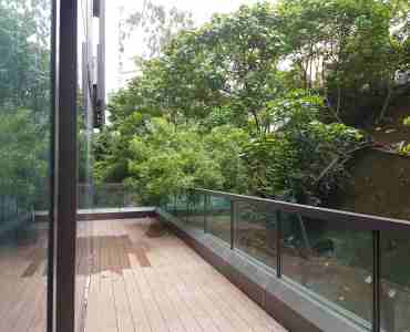 FB shop for rent with long balcony in Tsim Sha Tsui, HK