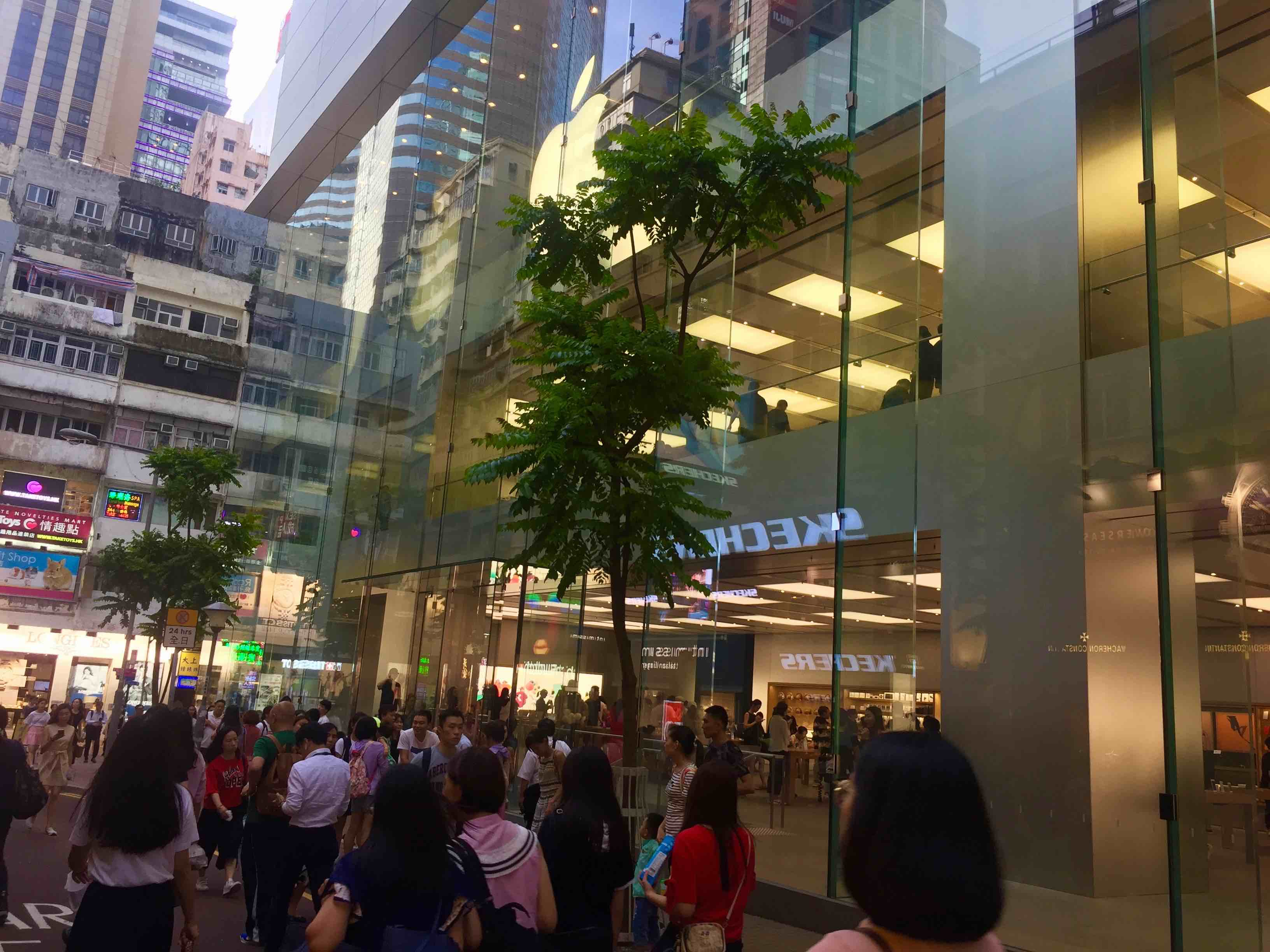 Hong Kong Causeway Bay High-traffic Food and Beverage Shop for Rent in High-spending Shopping Mall