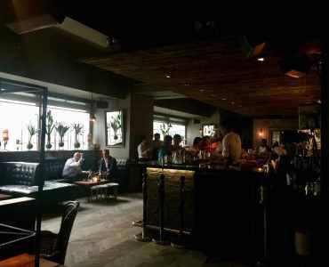 HK Central Lan Kwai Fong high-ceiling restaurant & bar for lease