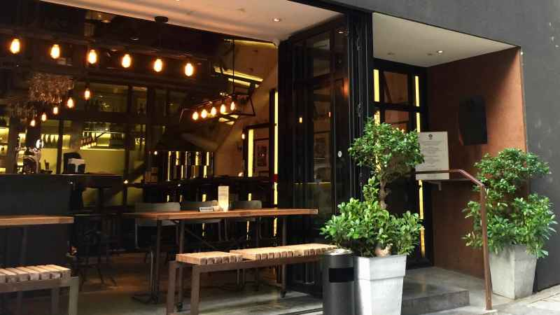Hollywood Road HK Food _ Beverage Shop for Rent in Sheung Wan