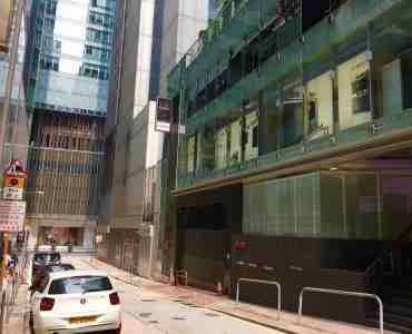 Central Wide-frontage Coffee Shop Space for Lease in HK