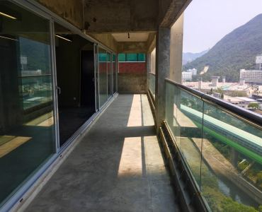 Top floor & rooftop for lease in Wong Chuk Hang HK