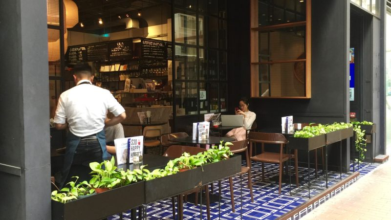 HK Sai Ying Pun modern restaurant with semi-outdoor seating for rent