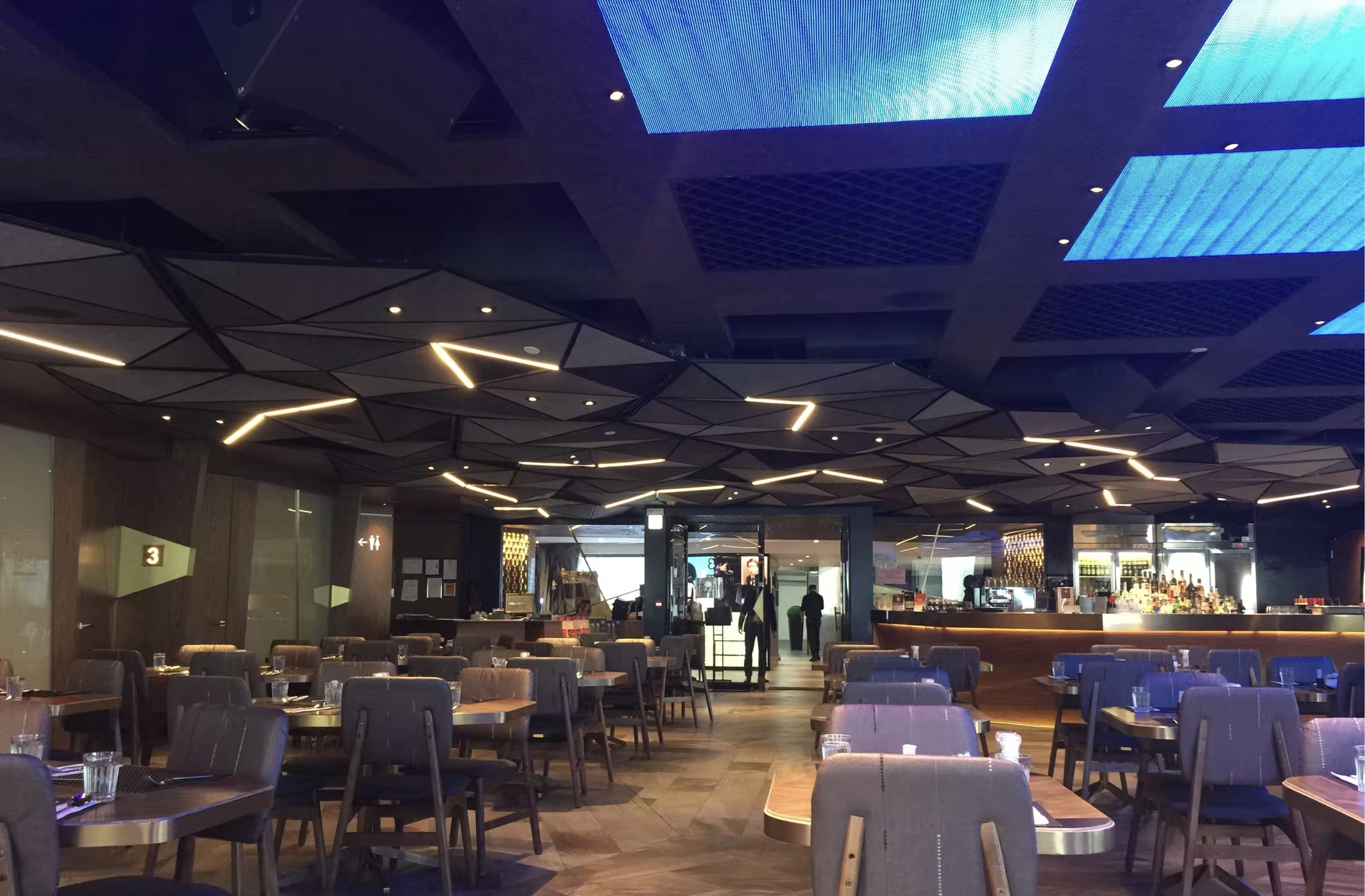 HK Wan Chai Huge Restaurant Space with Balcony for Lease