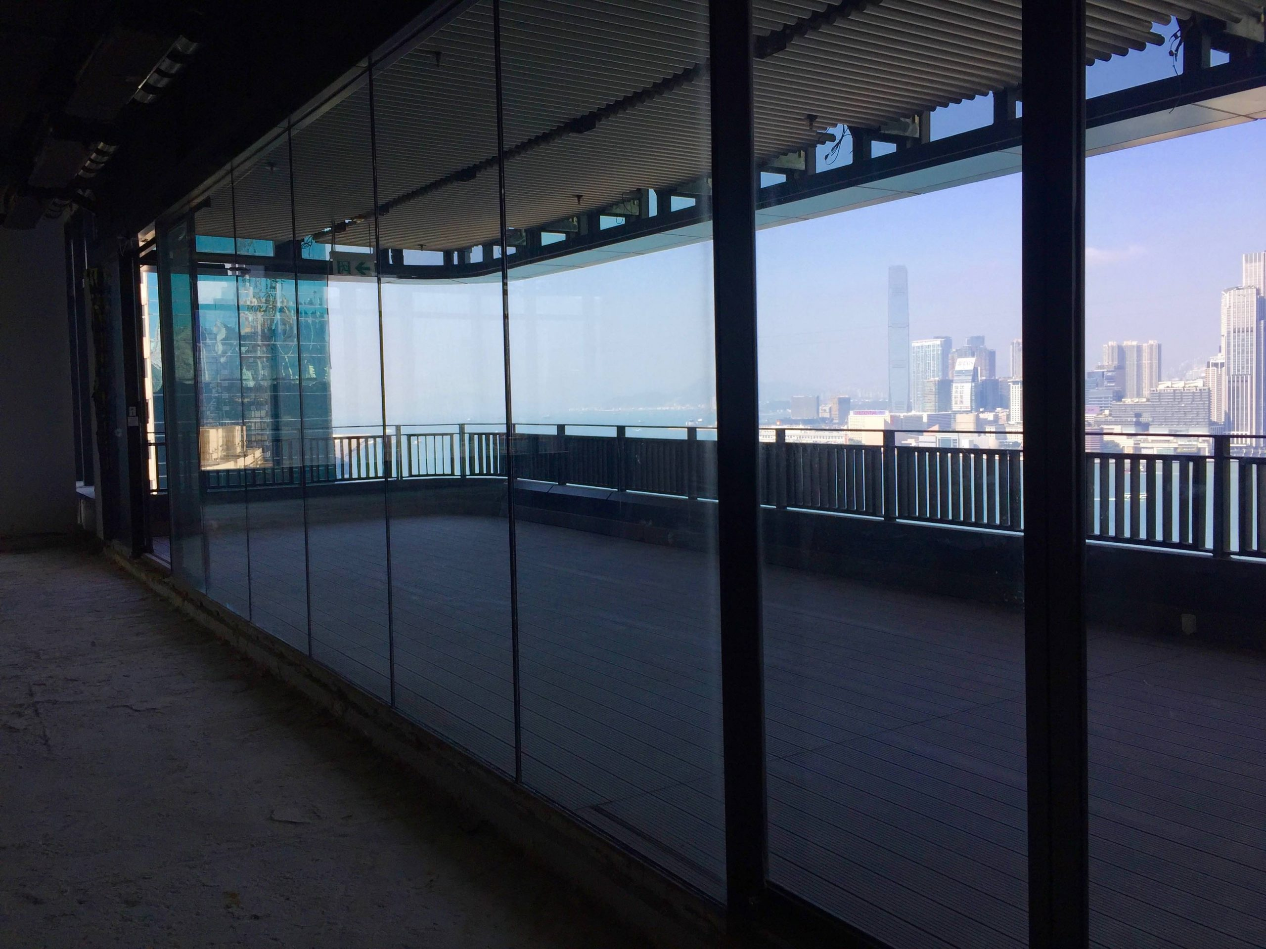 Huge outdoor FB shop for Lease with full harbourview in HK