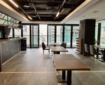 Central Restaurant Bar with Fitting for Lease in HK