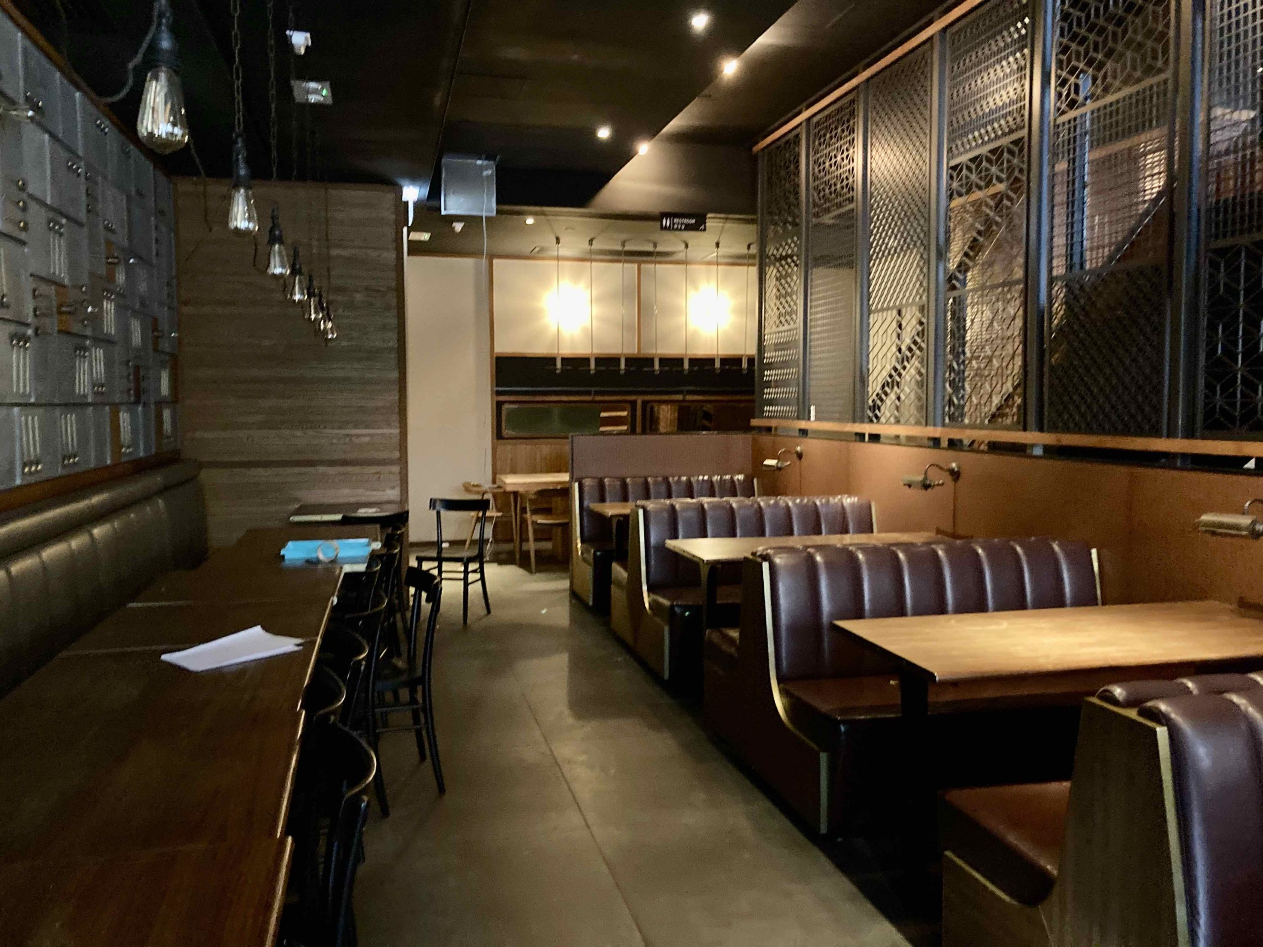 Wanchai Restaurant and Bar for Rent with Outdoor in HK