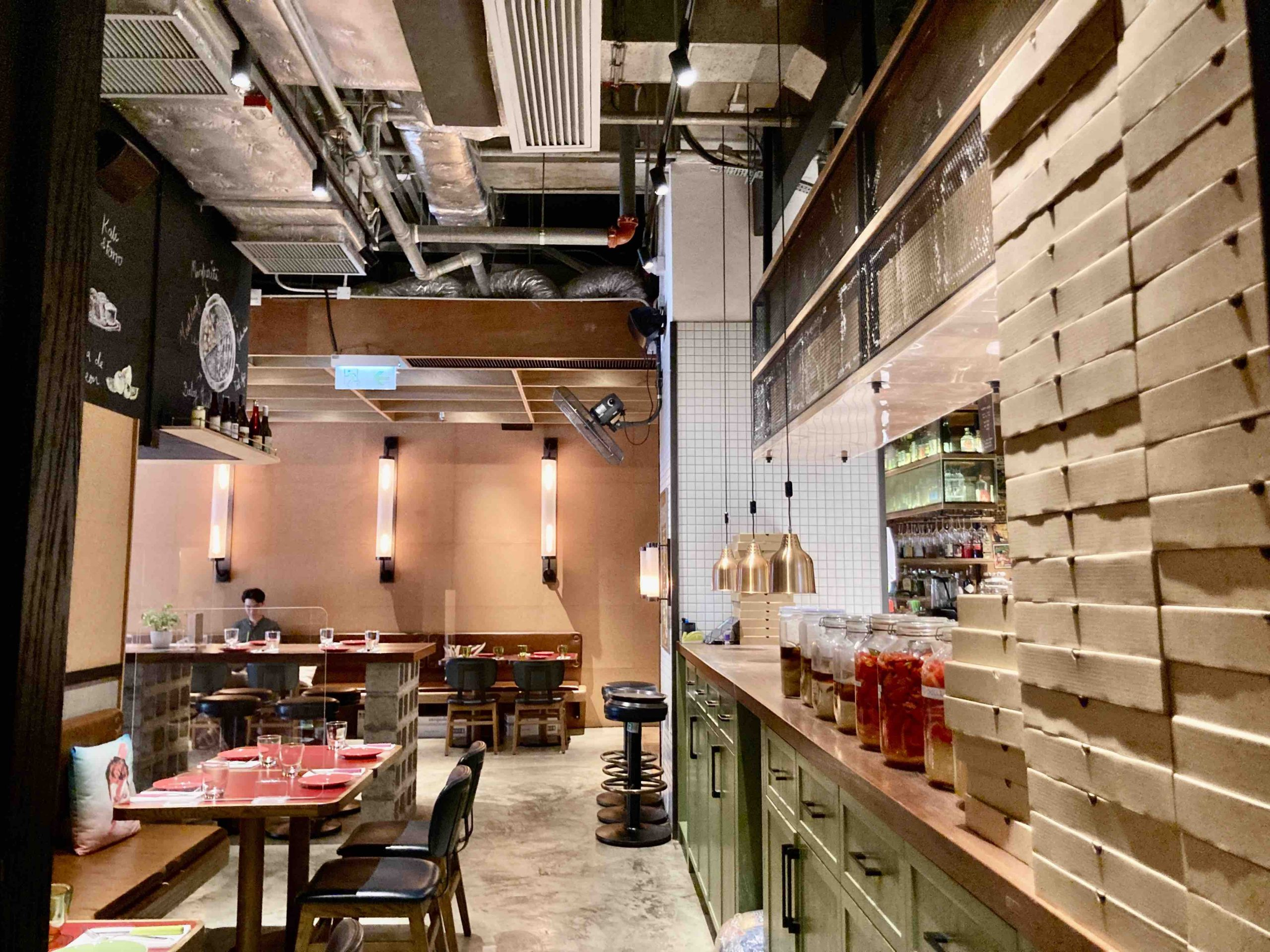 Restaurant for Lease in HK Island West for Lease