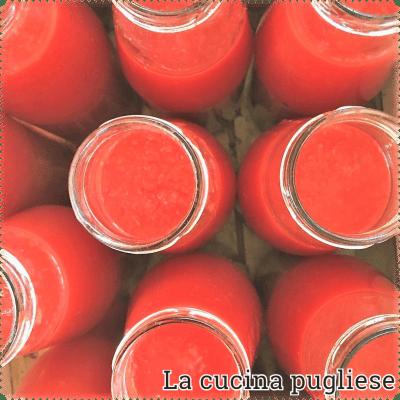 Passata di pomodoro - la cucina pugliese