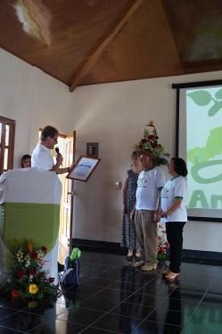 Norbert Feith (Alcalde de Solingen) entrega convenio a Justo Ángel Tórrez y Nereyda González