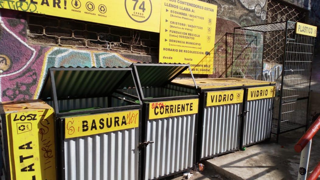 Vecinos instalan Puntos Limpios en Cerro Miraflores