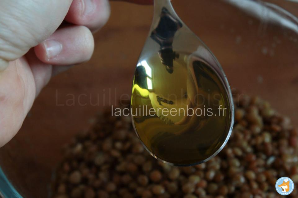recette de salade composée avec de lentillons de champagne aux lardons, au citron et à l'huile de cameline