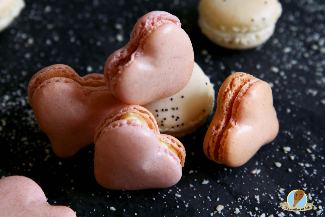 lacuillereenbois.fr-macoeurons bergamote/framboise...il y ade l'amour dans l'air- Macarons
