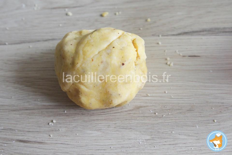 faire une boule de pâte sablée