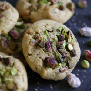 des cookies magnifiques à la pistache et à la fleur d'oranger