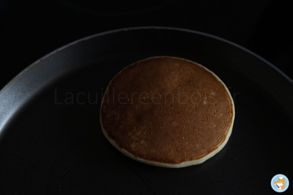 Méthode détaillée de délicieux pancakes fondants préparés rapidement