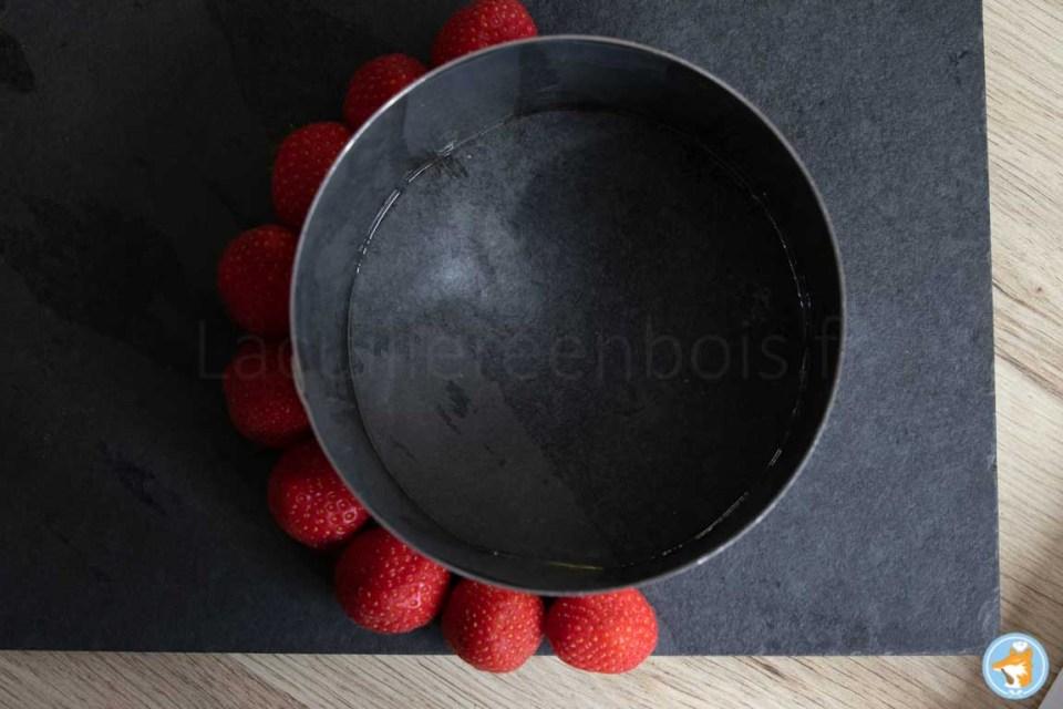 Grâce à cette recette de fraisier, vous saurez exactement de combien de fraises vous aurez besoin pour décorer tout votre fraisier