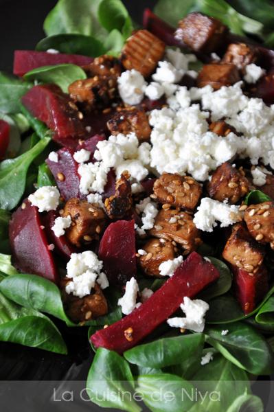 Salade de mâche, betterave, tofu et feta