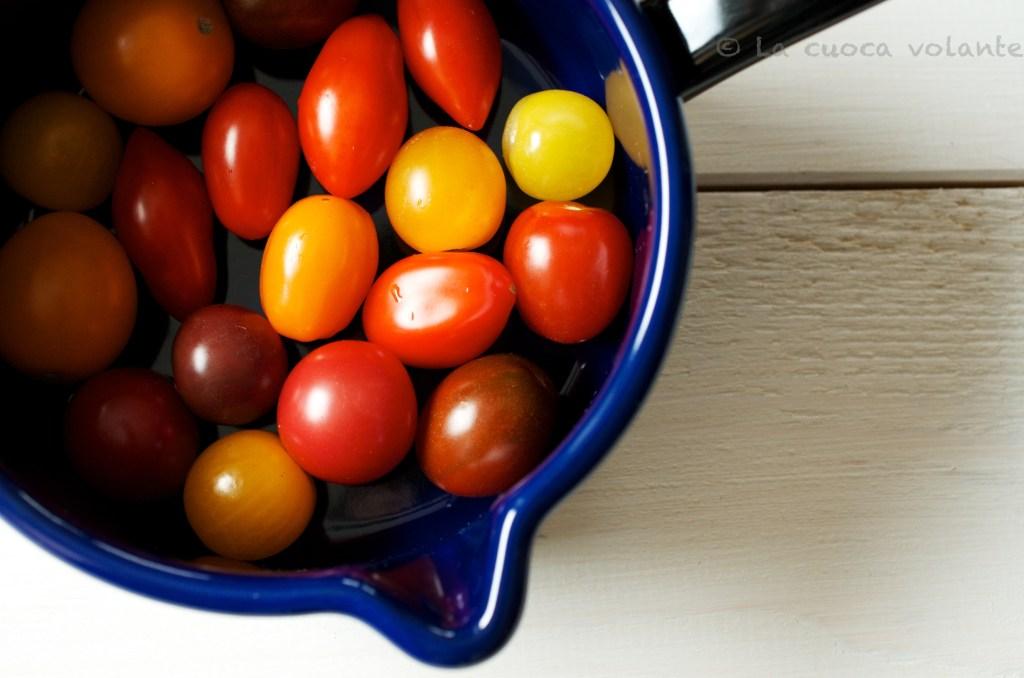 Pomodori gratinati con Feta, olive Kelemata e Origano