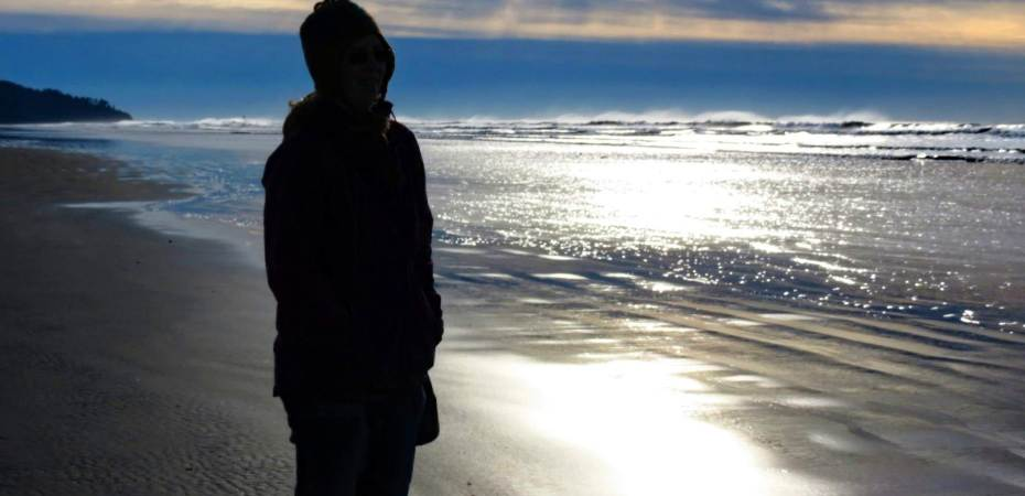 The author looks at the ocean