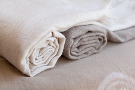 100% Pashmina shawls