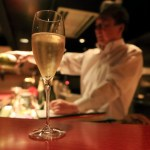 "A fun conversation and wine bar ""Kokubo"" shopkeeper coherent while the wine pleasures and including"