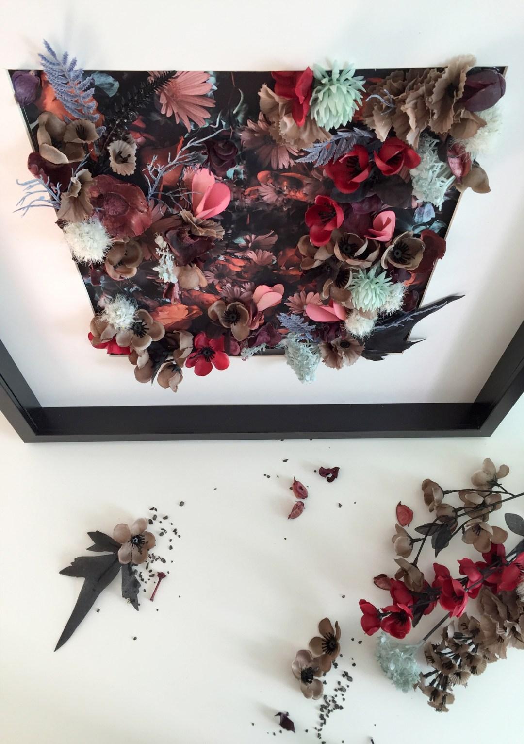 photo tableau fleur en bas relief noir et rouge