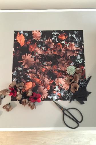 gros plans tableau DIY fleuris découpe des fleurs et installations