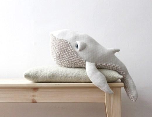 Big stuffed baleine