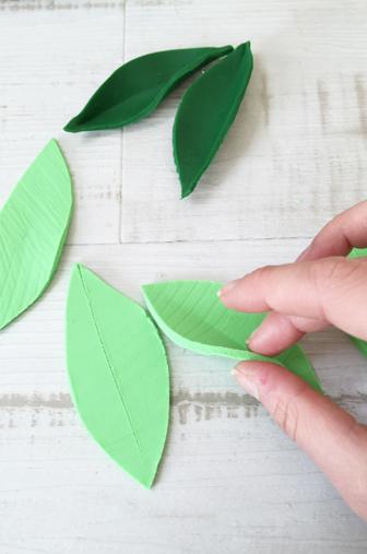 DIY pliage feuille pate à modeler