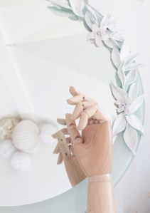 Composition fleurie DIY miroir