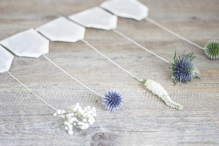 collection de sachets de thé fleuris pour l'automne avec chardon, bleuet et gypsophile