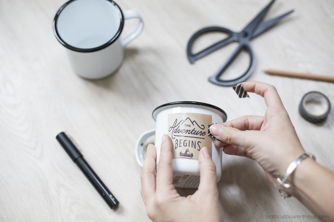 Motif fait main, et transfert de motif dans un esprit hipster sur un mug éamillé