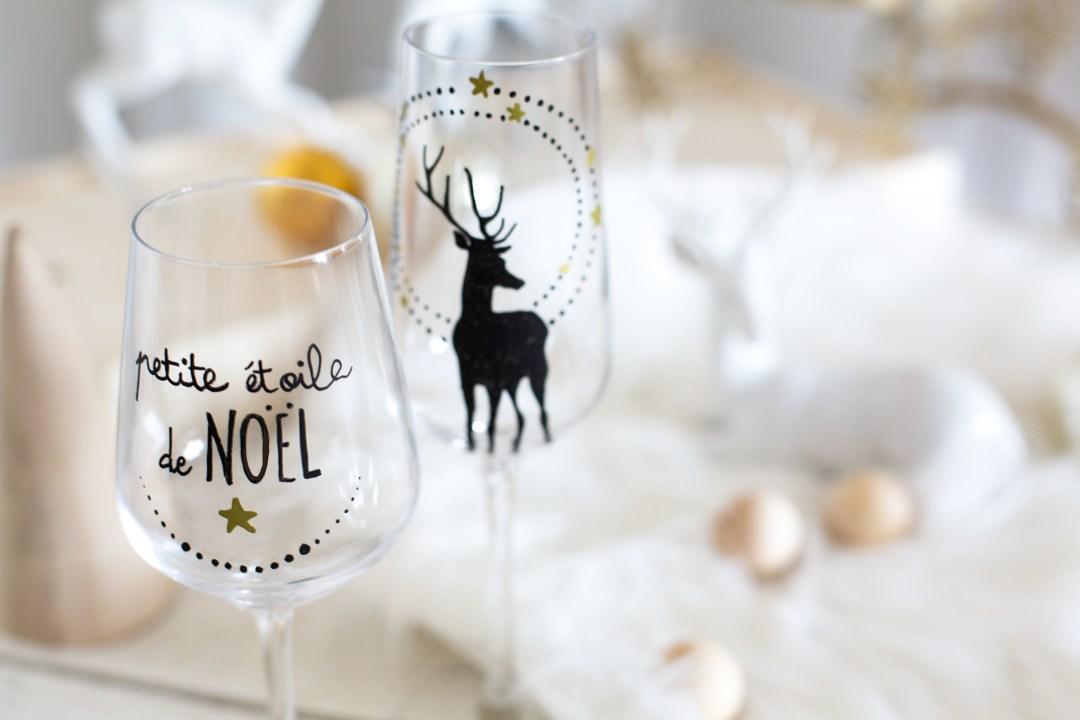 diy personnalisez les verres de vos invit s et faites en des marques places la d licate. Black Bedroom Furniture Sets. Home Design Ideas