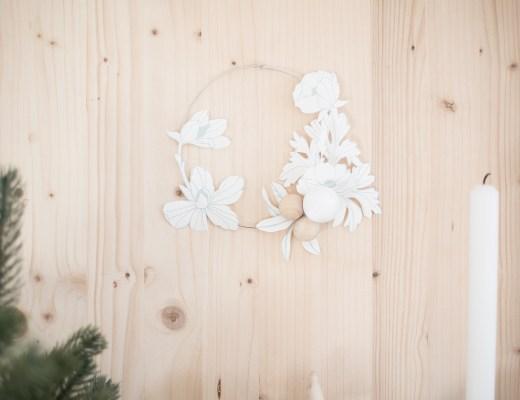 Couronne fleurie en papier peint DIY handmade graham & brown