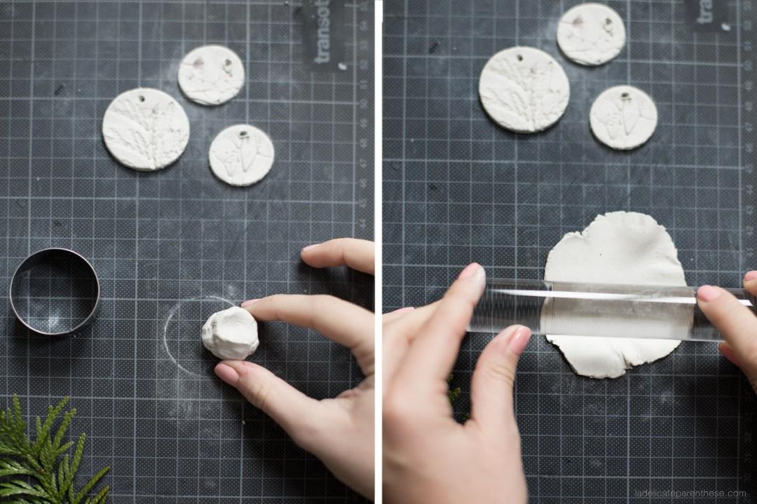 étape de création de la médaille en céramique pour la fiole fleurie de la love ETC