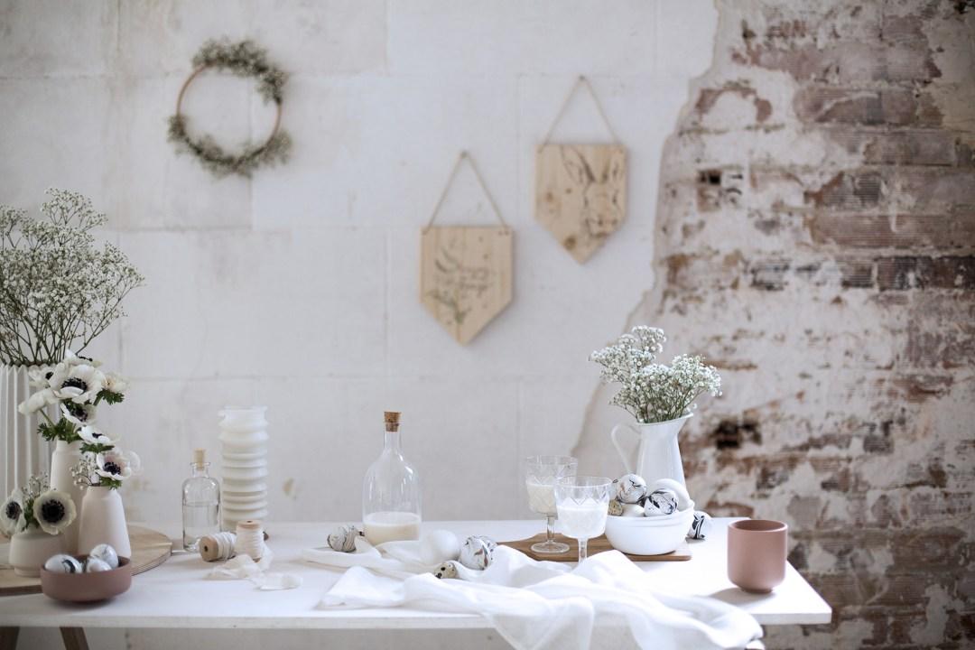 Création DIY décoration une table de Paques épurée et naturelle