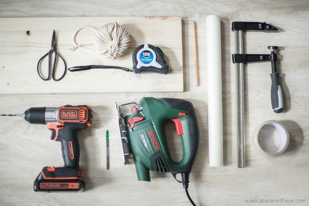 outils necessaires Diy réaliser un fanion en bois grace à la technique de transfert