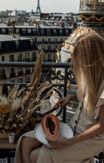 Scénographie printemps toits de Paris rooftop