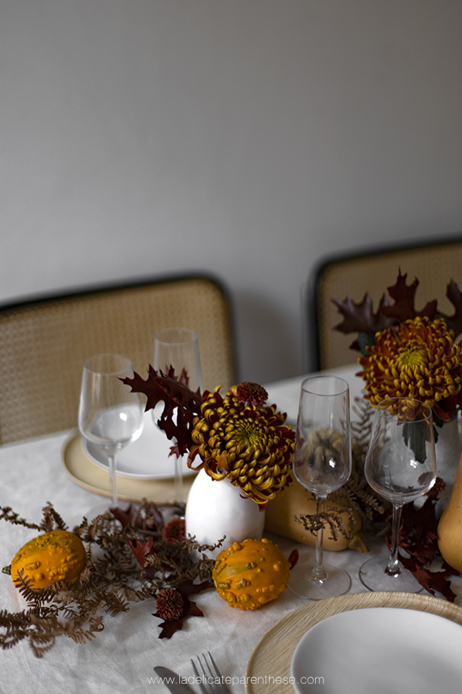 une table decoration automne creation nuances de rouges et oranges